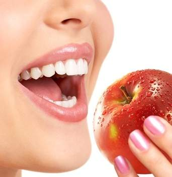 Alimentos podem limpar os dentes?